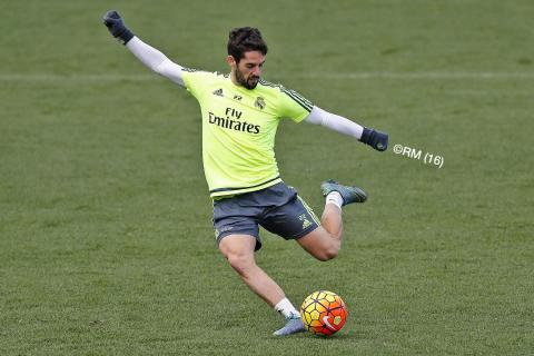 Real Madrid players carry out intense crossing and shooting exercises in training