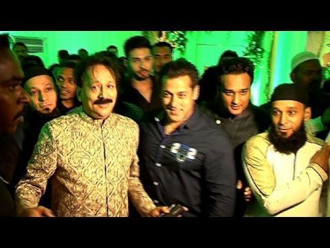 Event Uncut: Baba Siddiqui's Iftaar Party 2015 | Salman Khan | Varun Dhawan | Jacqueline Fernandez