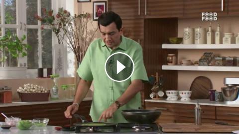 Sanjeev Kapoor Kitchen | Palakparantha with Cholli Paneer Stuffing ...