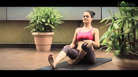 Vajrasana || Yoga during pregnancy with HealthifyMe
